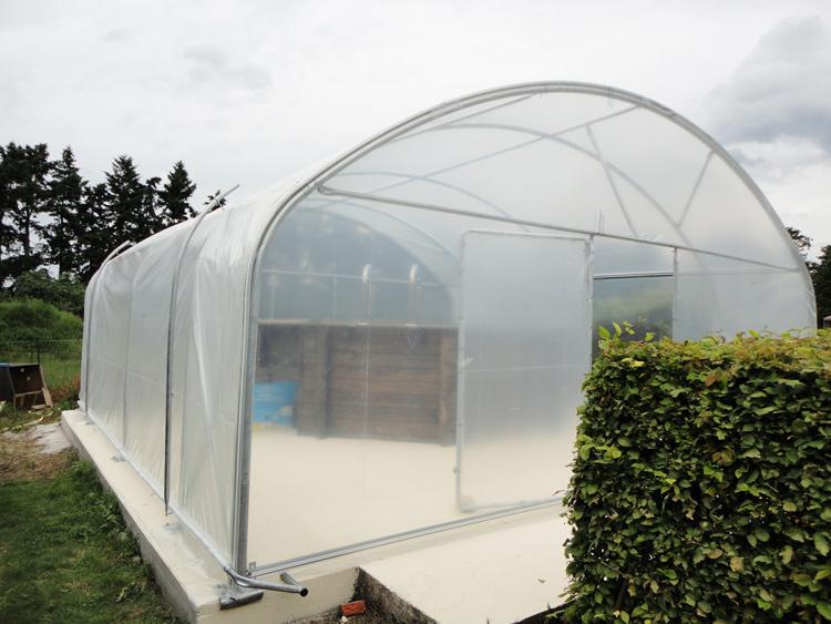 Photos de serres tunnels de jardin envoy es par nos clients for Piscine serres castet