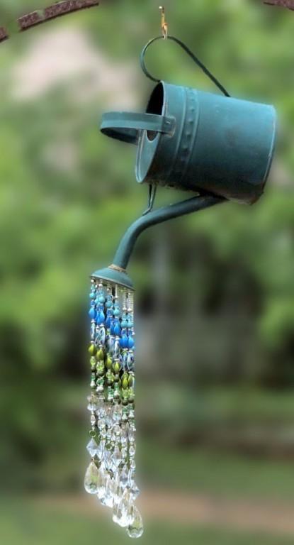 L'arrosoir avec des perles en acrylique