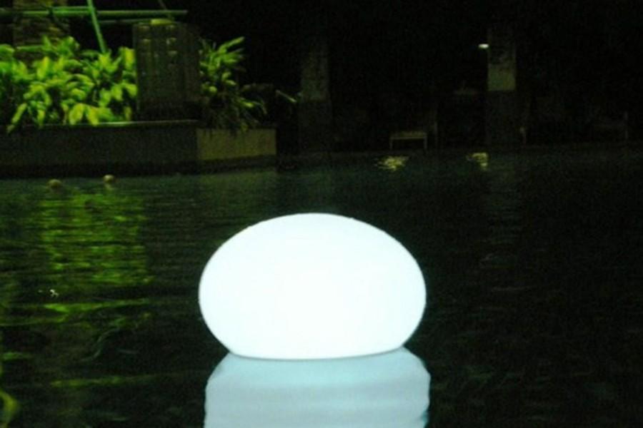 Gamme de produits lumineux pots galets et sph res lumineux for Galet lumineux exterieur