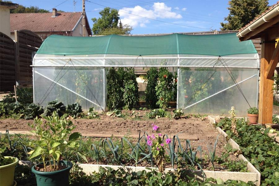 matériaux serre de jardin