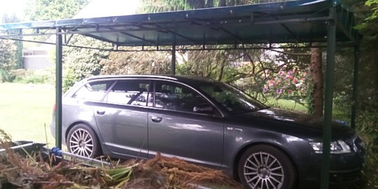 Abri à véhicule en bâche PVC