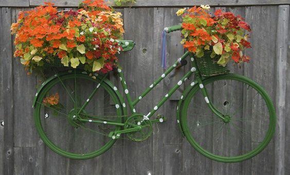 vélo vintage fleuri